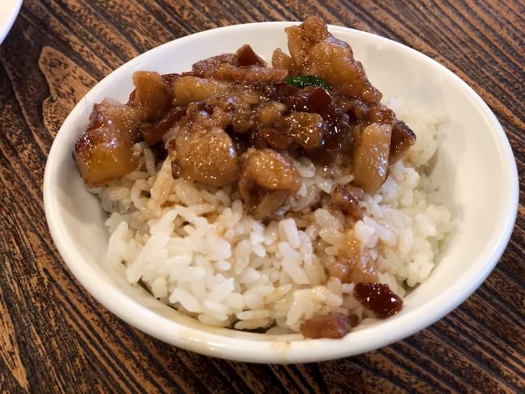 ルーローファン(魯肉飯)