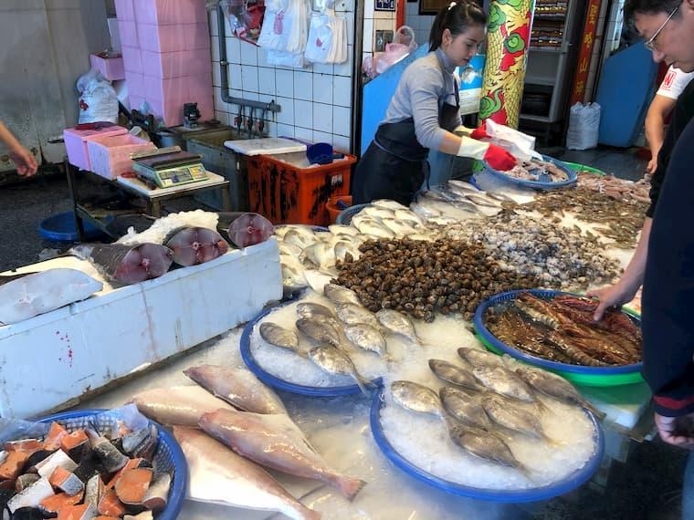 梧棲魚市のマーケット