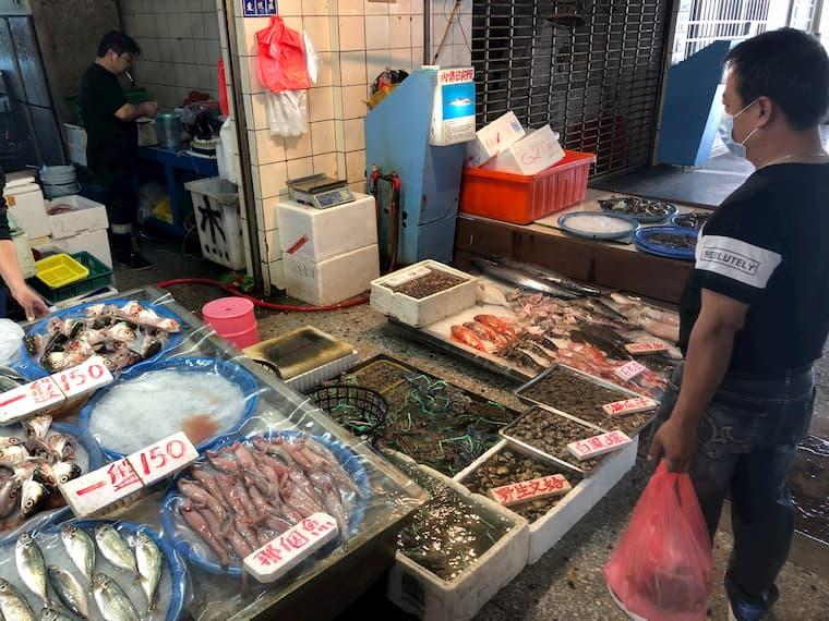 梧棲魚市のマーケット2