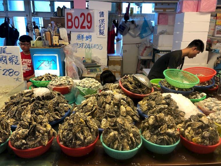 日本人大好きの生牡蠣