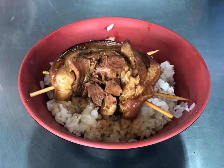 焢肉飯(コンローファン)